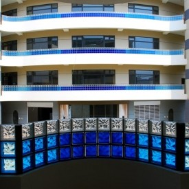 Building with glass block